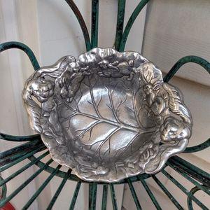 VTG 1995 Arthur Court embossed bunny bowl